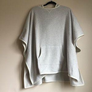 NWOT Eddie Bauer sweater poncho large- xl